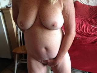 Mm. Great mature natural women , nice body lovely breast  . All a man can whis for .