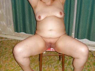 Old slut Irina Nikolina opened her pussy for you