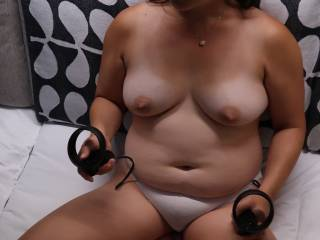 Trying out the Oculus Quest VR headset, porn is a completely new experience :)