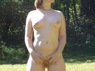 and dont mind being seen naked..mmmm...sweet fun