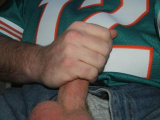 Leaving the house at 5:30 tailgating by 5:50 just burgers n dogs for preseason, Tannehill looked good last week