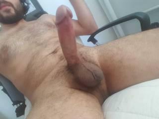 i need horny pussy..
