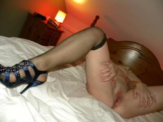 I'm smelling it now, and something tells me you'd smell even nicer in reality, Love the sexy heels too babe ....... devil xxxxx