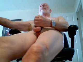 fantastic video. Love watching u wanking ur big cock. Look forward to the next one. Would love to lick the cum off ur body. PS: Ur photos are great too