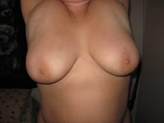 blinding, such beautiful full tits