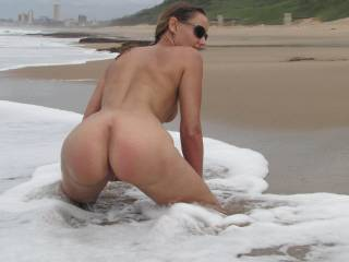 i cum on the beach fingering my pussy watching hot girls like you all the time it makes me wet and cum