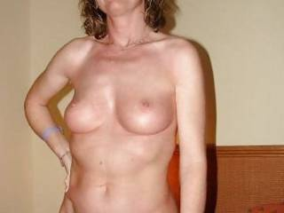 Mature MILF hottie...