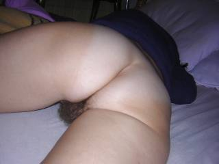 That makes me want to slip in behind her for a slow gentle fuck.