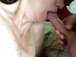 good if I close my eyes it seems that you do this to me blowjob and flight with imagination she is sucking two cocks and I cum