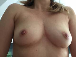 Beautiful love to give your hot TITS my tongue cock n cum 👅 💋 👅