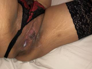 Her milf pussy gets creampie and dripping of his cumshot