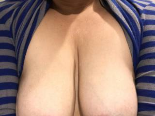 Does this sweater make my boobs look big?