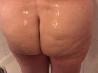 Stroking to the wife showering