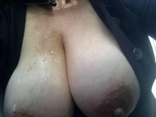 beautiful load , beautiful tits, looks like a fantastic day