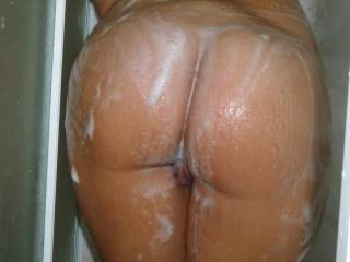 I'd love to join you in the shower for some hot wet slippery fun.
