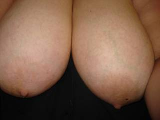 nice Tit's !!!!! do they like to be pplayed with ?  :)