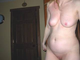 IM FINGERING MY PUSSY RIGHT NOW YOU R THE PRETTIEST GIRL ON HERE FUCK YOUR TUMMY IS GOING TO MAKE MR CUMMMMMMMMM
