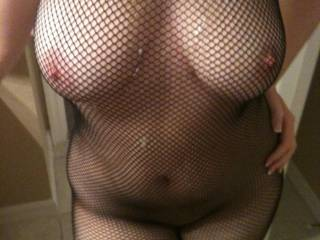 does she look good with cum all over??
