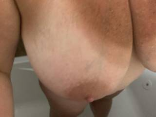 Slut wife in shower this morning before going to work to fuck boss
