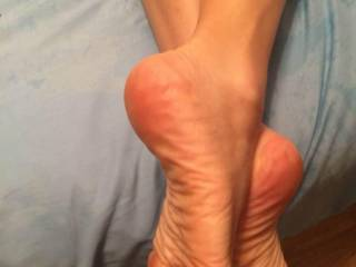 Gorgeous soft sexy wrinkled soles...would love to be responsible for a huge load of hot thick creamy cum running down them and dripping from those oh so suckable toes....Beautiful!!