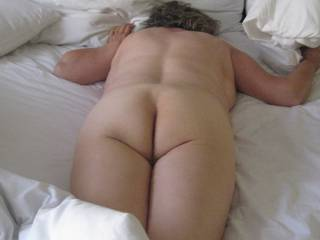 Mmmmm, I would love to straddle that right now...., my thick cock entering that sweet pussy.....mmmmm