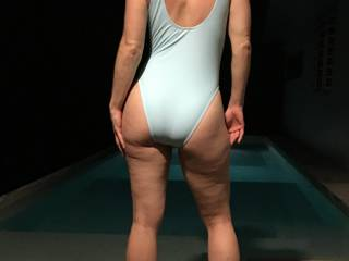 She doesn\'t wear one piece bikinis much but she looks so hot I had to share!