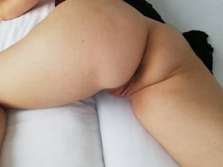 small glimps of here pussy