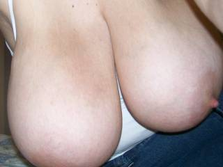 YES !!! those BIG TITIES are perfect fot fucking... I would love to blow a huge load of cum between them...