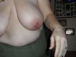 i love her big floppy tits. would love to have them bouncing off my face. sweet