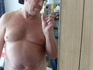 Very beautiful older man... I like your body, your face and... your cock !