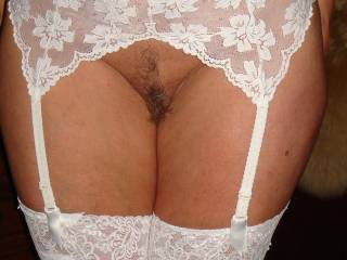 Needs to be well used and that cute ass needs to be spanked! Hot sexy mature pussy needs lots of attention!