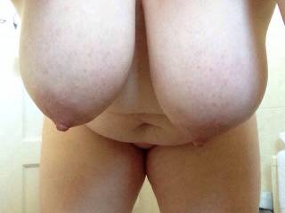 fuck me, I would love you riding me pushing those beauties in my face to suck and play with. xxx