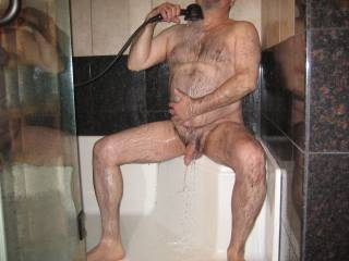 Very sexy, manly, hairy body! And a big dick to boot!