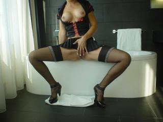 I\'m the right one for your cock  then shot your sperm on me