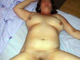 OMG, I could just climb ontop of her and slip straight into that gaping cunt and fill her with my cum !