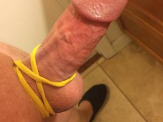 Elastic band as cock ring