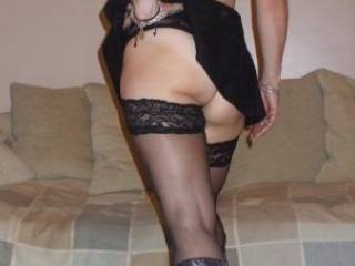 i c u r ready 4 me 2 rub, kiss and lick those gorgeous cheeks. i luv your outfit!!!!