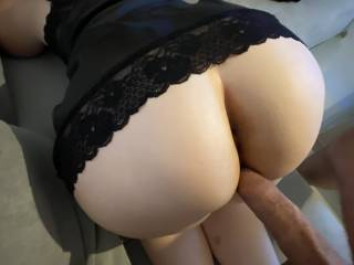 A quick fuck on the couch 