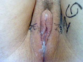 Would rather lick my you myself. What a creamy delicious pussy.