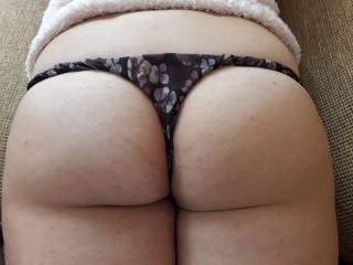 A small preview of my ass for my ass lover funs..