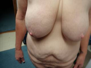 What a fantastic body, those huge udders and lovely soft loose belly...WOW !