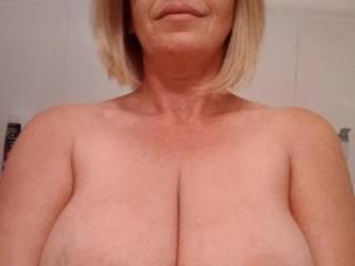 Nice big tits cumshots anyone