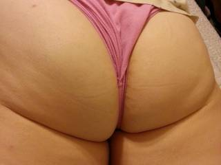 I love it wish I was that thong!!!!!!!!
