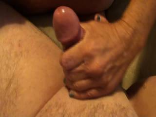 i wanna feel those hands on my cock and balls !!!!!!