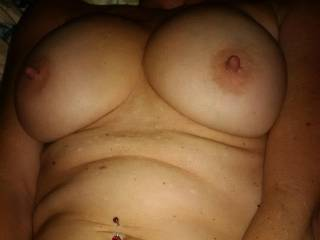 Such beautiful tits and fantastic nipples. I'd love to play with them.
