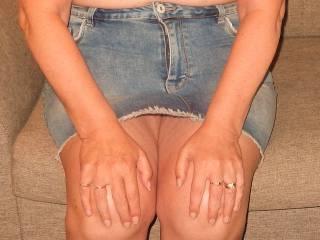 Do you like her skirt?