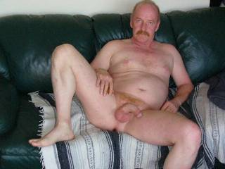 mmm...love that pose!Wanna lick u from toes to head...!!!