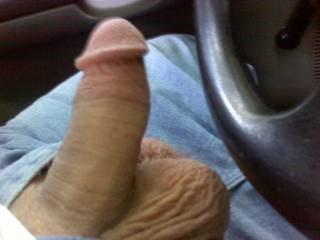 Now that is a cock I would like to deep throat. (speedie)