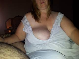 mmmmmmmmm-sexy!!!!!!!!!! nice big soft titties!!!!!