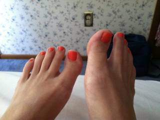 Can't believe I've only just found these pic's....hope she still has the pedicure! Beautiful!!!